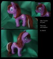 Silky Cupcake Needlefelt Pony by Akki14