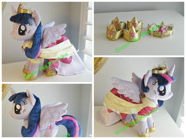 Princess/Alicorn Twilight Plush - coronation dress by GreenTeaPlushies