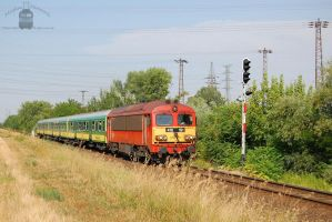 418 191 with a fast train in Gyorszabadhegy by morpheus880223
