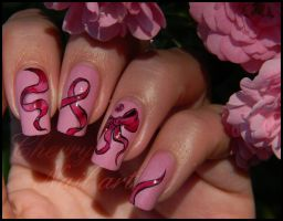 Nail art octobre rose by cherrynailart