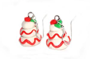 Holiday Cake Earrings by yobanda