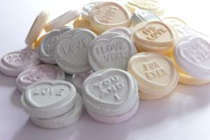 love hearts by ErikaVengeance