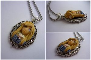 Lilie as a pendant by Elaiss-in-iceland