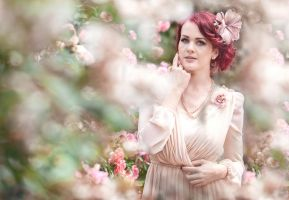 I hide myself within my flower by tscharlie
