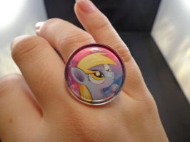 Derpy statement ring 1in by MermaidSoupButtons