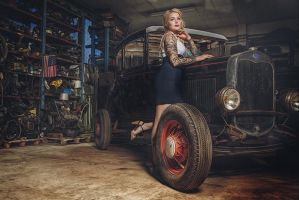 Ford Pin up by flause