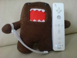 Domo-kun plays Wii by erisama