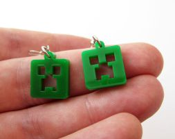 Minecraft creeper earrings by milkool