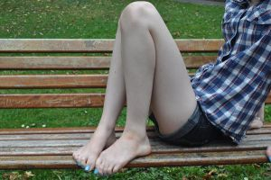 Barefoot on a Bench by Foxy-Feet
