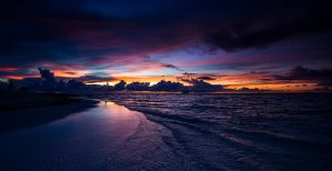 Sunset in Maldives by andyietok