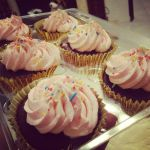 Chocolate and Snicker Cupcakes by chela22
