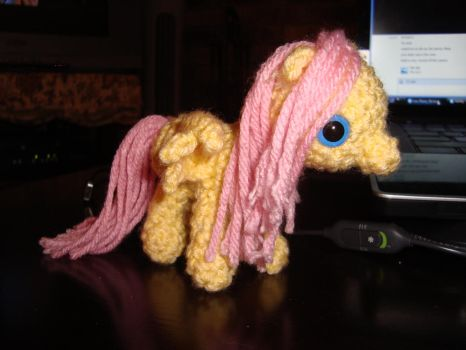 Fluttershy 2nd View by laurencrochets