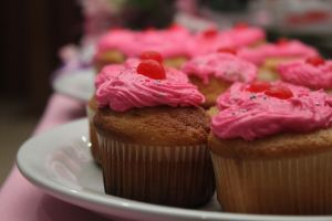 Pink Cupcakes by DraconPhotography