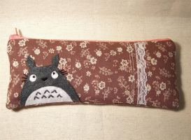 Totoro pencil case by yael360