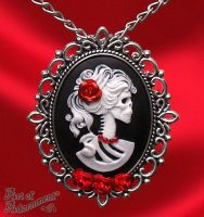 Madam Muerte Rose Skull Cameo Necklace/Pin by ArtOfAdornment