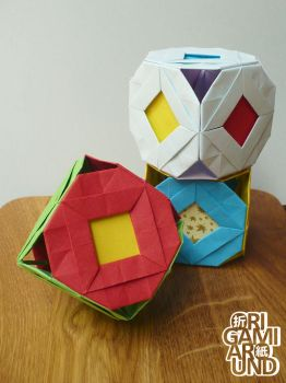 Origami cubes 001 by OrigamiAround