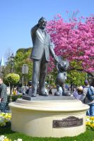 Statue of Walt Disney and Mickey by RougaFang