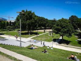 The many grass areas of Parc de Bercy by EUtouring