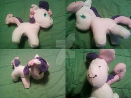Sweetie Belle Plushie by GaneneTheDefendra