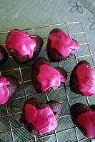 heartshaped cupcakes. by victimofemotion