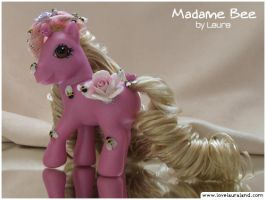 Madame Bee by lovelauraland