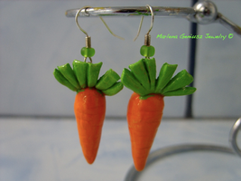 Carrot set: earrings by kickthebucket