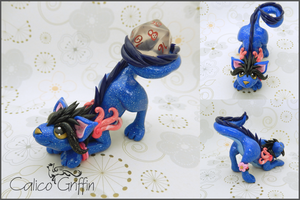 Blue Cayo Dragon - dice holder - polymer clay by CalicoGriffin