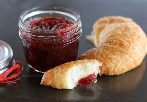 Strawberry and vanilla bean jam by maytel