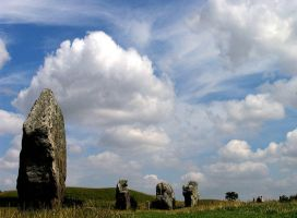 Dramatic Avebury by parallel-pam