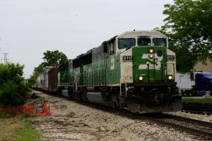 BNSF Greens Reversing out of the Yard by JamesT4