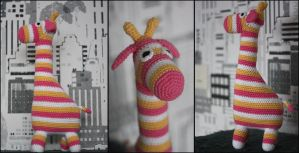 Crochet Giraffe by Walkonred