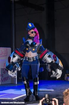 The Piltover's Finest - Officer Vi cosplay by AHu-PL