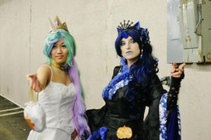 Aki Con 2012 - Luna And Celestia II by Vega-Sailor-Cosplay