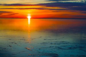 Lake Superior Sunrise by maDUECEgunner