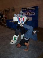 Wheeljack gets served by Raggletag