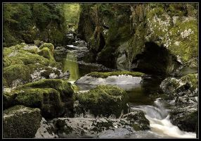 Fairy Glen, wales by mahgnitton
