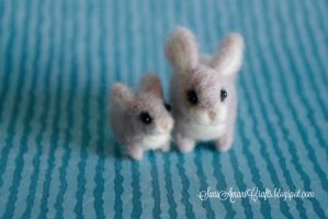 Needle felted miniatures mom and baby bunny silver by SaniAmaniCrafts