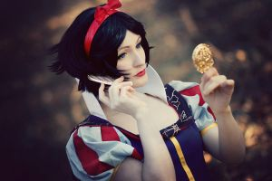 Snow White - Mirror, Mirror by aco-rea