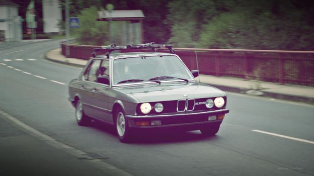 BME E28 520 by ShadowPhotography