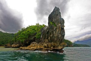 palawan rock by worldpitou