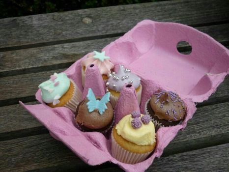 Cupcakes by Esme-Silver