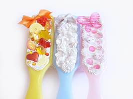 Decoden Hairbrushes by Kuppiecake