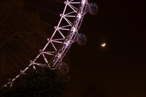The London Eye and Moon by p0isson