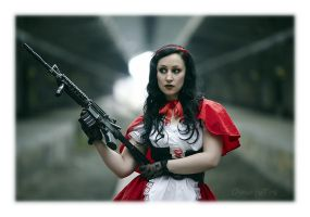Fairy with ... guns by Osnafotos