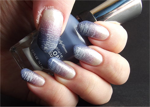 Nails inspired by a dress by Ithfifi