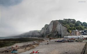 Fog over the cliffs by JoelRemy222