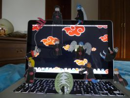 Akatsuki's paperchild has attacked my pc xD by MistressKain