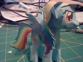 Rainbow Dash Papercraft by munkyface710