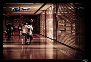 Lovers in Hong Kong by miggzs