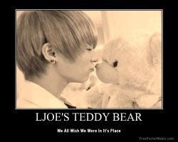 LJoe's Teddy Bear by CuteButDeadly243